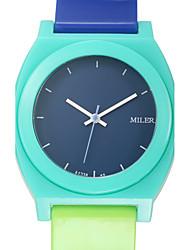 Pánské Sportovní hodinky Módní hodinky Náramkové hodinky Křemenný Silikon Kapela Přívěsek Běžné nošení Vícebarevný