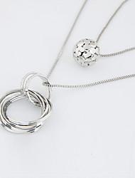 abordables -Femme Rond Forme de Cercle Forme Circulaire Mode Couche double Pendentif de collier Collier multi rangs Alliage Pendentif de collier