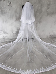 cheap -Two-tier Lace Applique Edge Wedding Veil Chapel Veils Cathedral Veils With Applique Lace Tulle