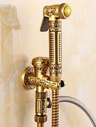 Недорогие -Античный Только душ Ручная лейка входит в комплект Керамический клапан Одной ручкой одно отверстие Старая латунь, Ванная раковина кран