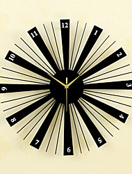 cheap -Creative Fashion Metal & Wood Mute Wall Clocks Bakeware Wall Clocks