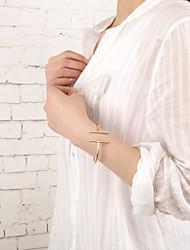 billige -Dame Manchetarmbånd Smykker Mode Plastik Geometrisk form Smykker Fest Speciel Lejlighed Kostume smykker