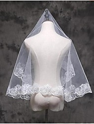 cheap -One-tier Lace Applique Edge Wedding Veil Elbow Veils Fingertip Veils 53 Appliques Lace Tulle
