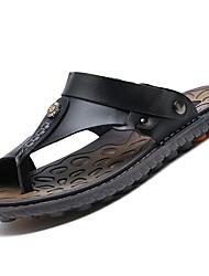 Masculino Chinelos e flip-flops Conforto Pele Verão Casual Caminhada Conforto Tachas Rasteiro Preto Marron Azul 5 a 7 cm