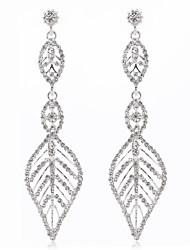 preiswerte -Luxus im neuen Stil lässt ausgehöhlte Ohrringe klassisch femininen Stil