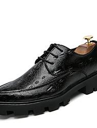 baratos -Homens sapatos Couro Ecológico Verão / Outono Sapatos formais Sapatos De Casamento Preto / Preto e Dourado / Preto / Vermelho
