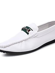 Недорогие -Муж. обувь Полиуретан Весна Осень Мокасины Удобная обувь Мокасины и Свитер для Повседневные Белый Черный