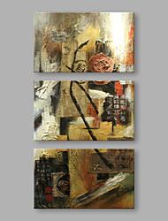 Недорогие -Ручная роспись Абстракция Вертикальная, Художественный холст Hang-роспись маслом Украшение дома 3 панели