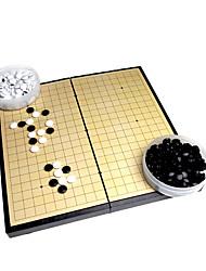 Недорогие -Настольная игра Шахматы Игрушки Квадратный Откидной Не указано Куски