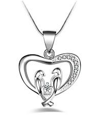 Недорогие -Жен. Сердце Классика Мода Ожерелья с подвесками Синтетический алмаз Сплав Ожерелья с подвесками , Для вечеринок Повседневные Для сцены