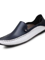 baratos -Homens Sapatos de Condução Couro Verão / Outono Conforto Mocassins e Slip-Ons Caminhada Branco / Azul