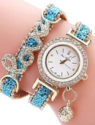 baratos -Mulheres Bracele Relógio Chinês Cronógrafo / Impermeável / Criativo PU Banda Brilhante / Casual / Fashion Preta / Branco / Azul / Aço Inoxidável