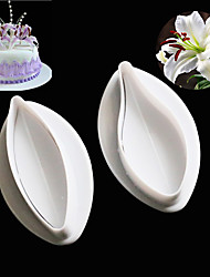 cheap -2PCS/Set Sugar Craft Cookie Plunger Cutters Mold Delicate Calla Lily Cake Fondant Decorating