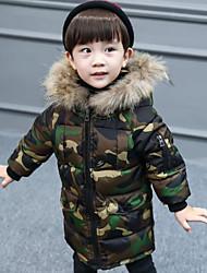 Недорогие -Мальчики На пуховой / хлопковой подкладке камуфляж Зима Длинный рукав Военно-зеленный