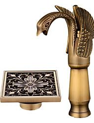 Недорогие -По центру Широко распространенный Керамический клапан Одной ручкой одно отверстие Античная медь, Смеситель