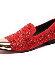 baratos -Homens Sapatos formais Couro / Pele Napa Primavera / Outono Conforto Mocassins e Slip-Ons Vermelho / Pedrarias / Casamento / Festas & Noite / Sapatas de novidade
