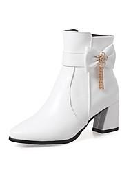 baratos -Mulheres Sapatos Courino Inverno Outono Botas da Moda Botas Ponta Redonda Botas Curtas / Ankle Presilha para Casual Social Branco Preto