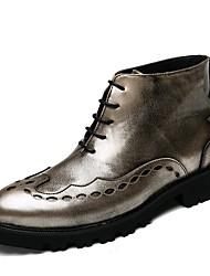 Недорогие -Муж. обувь Дерматин Весна Модная обувь Удобная обувь Ботинки для Повседневные Золотой Черный
