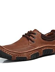 Недорогие -Муж. обувь Кожа Зима Осень Удобная обувь Кеды для Повседневные Офис и карьера Коричневый