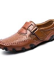 baratos -Homens sapatos Courino Couro Primavera Verão Conforto Mocassins e Slip-Ons Estampa Animal para Casual Preto Marron