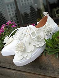Недорогие -Для женщин Обувь Полиуретан Весна Удобная обувь Кеды Для прогулок Плоские Закрытый мыс для Повседневные Белый