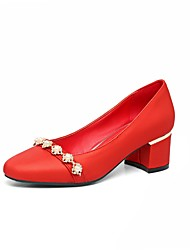 baratos -Mulheres Sapatos Courino Primavera / Verão Conforto Saltos Salto Robusto Ponta quadrada Pérolas Prateado / Vermelho / Verde / Casamento