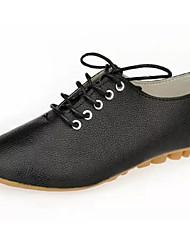 preiswerte -Damen Schuhe PU Frühling Herbst Komfort Outdoor Niedriger Heel für Weiß Schwarz