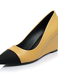abordables -Mujer Zapatos Licra / Vellón / Semicuero Primavera / Verano Confort Tacones Tacón Cuña Negro / Amarillo / Vestido