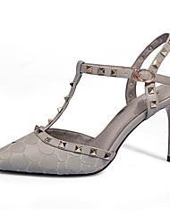 preiswerte -Schuhe PU Sommer Pumps Sandalen Stöckelabsatz Spitze Zehe Niete Schnalle für Kleid Party & Festivität Schwarz Grau Rot