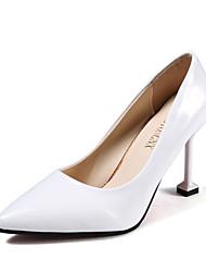 preiswerte -Damen Schuhe PU Frühling Herbst Komfort High Heels Stöckelabsatz für Weiß Schwarz Rot Rosa Oberfläche