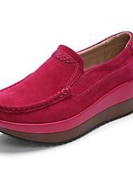 preiswerte -Damen Schuhe PU Frühling Herbst Komfort Loafers & Slip-Ons Flacher Absatz Geschlossene Spitze für Normal Draussen Schwarz Grau Rot Grün