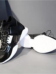 preiswerte -Damen Schuhe PU Herbst Winter Komfort Sneakers Flacher Absatz Geschlossene Spitze für Draussen Schwarz Schwarz / weiss