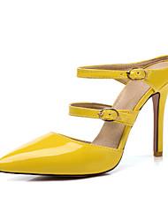 preiswerte -Damen Schuhe Lackleder Frühling Sommer Pumps Cloggs & Pantoletten Stöckelabsatz Spitze Zehe Schnalle für Hochzeit Party & Festivität