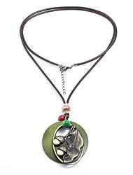Недорогие -Жен. Рыбки форма Природа Cool Готика Ожерелья с подвесками , деревянный Шнур Сплав Ожерелья с подвесками Офис и карьера Тренировочные