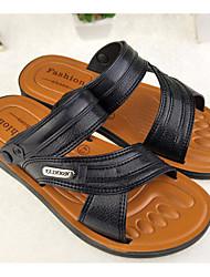baratos -Homens sapatos PVC Primavera / Verão Conforto Sandálias Preto / Marron