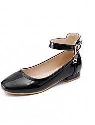 abordables -Femme Chaussures Similicuir Printemps / Automne Confort / Nouveauté Ballerines Talon Plat Bout rond Boucle Blanc / Noir