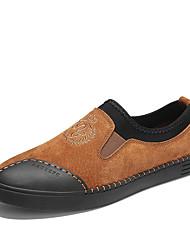 Недорогие -Муж. обувь Свиная кожа Весна Осень Удобная обувь Мокасины и Свитер для Повседневные Офис и карьера Черный Серый Коричневый