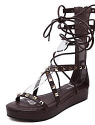 billige -Dame Sko PU Sommer Gladiator Sandaler Flade hæle Åben Tå for Afslappet Sort Mørkebrun