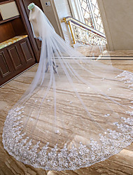cheap -Two-tier Lace Applique Edge Bridal Wedding Veil Chapel Veils Cathedral Veils 53 Scattered Bead Floral Motif Style Splicing Lace Tulle