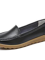baratos -Mulheres Sapatos de couro Pele Primavera Verão Minimalismo Rasos Sem Salto Ponta Redonda Branco / Preto / Vermelho