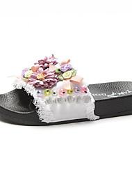 Недорогие -Жен. Обувь Полиуретан Весна Удобная обувь Тапочки и Шлепанцы На плоской подошве Цветы из сатина Белый / Черный