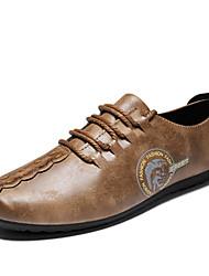 baratos -Homens Sapatos de Condução Couro Primavera / Verão Conforto Oxfords Preto / Cinzento / Khaki