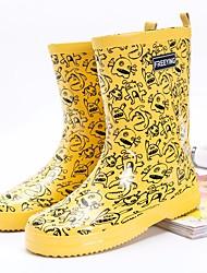 baratos -Mulheres Sapatos Borracha Primavera Botas de Chuva Botas Sem Salto para Branco / Amarelo / Fúcsia