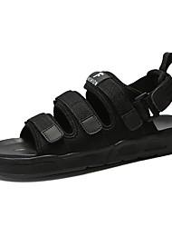 Недорогие -Муж. обувь Тюль Кожа Лето Удобная обувь Сандалии Черный Серый
