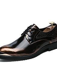 Недорогие -Муж. Искусственная кожа / Лакированная кожа / Материал на заказ клиента Зима Удобная обувь Туфли на шнуровке Черный / Серый / Коричневый