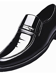 cheap -Men's Dress Shoes Patent Leather Spring Comfort Loafers & Slip-Ons Black / Brown