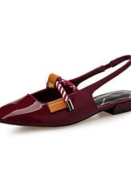 Недорогие -Жен. Обувь Лакированная кожа Весна лето Босоножки Сандалии На плоской подошве Заостренный носок Белый / Черный / Винный