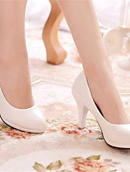 お買い得  -女性用 靴 エナメル 春夏 ベーシックサンダル ヒール スティレットヒール ラウンドトウ のために アウトドア ホワイト / ブラック / レッド