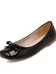 baratos -Mulheres Sapatos Courino Primavera Conforto Rasos Sem Salto Ponta quadrada Laço Preto / Bege / Vermelho