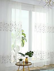 preiswerte -Gardinen Shades Schlafzimmer Blumen Polyester Mischung Stickerei